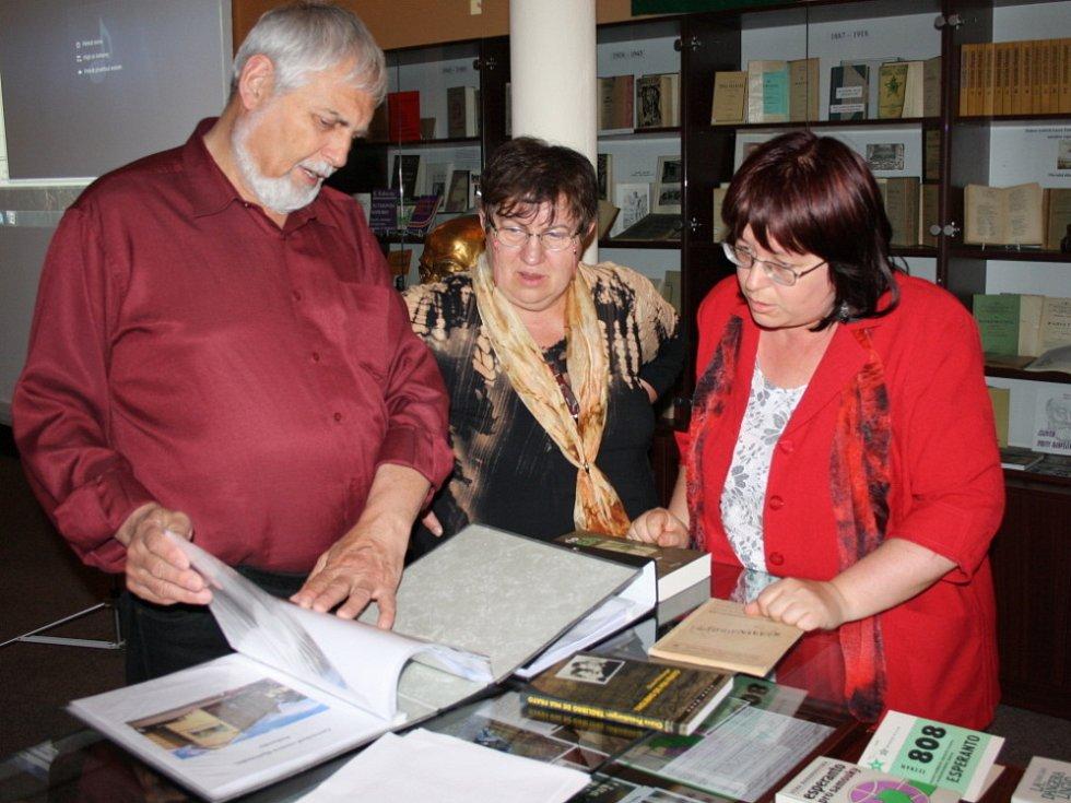 MUZEUM ESPERANTA ve Svitavách nabízí návštěvníkům možnost prohlédnout si vzácné dokumenty z počátků.