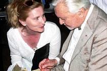 Bývalý ředitel newyorského Muzea moderního malířství Thomas. M. Messer na předpremiéře filmu Jany Chytilové Můj život s Guggenheimem.