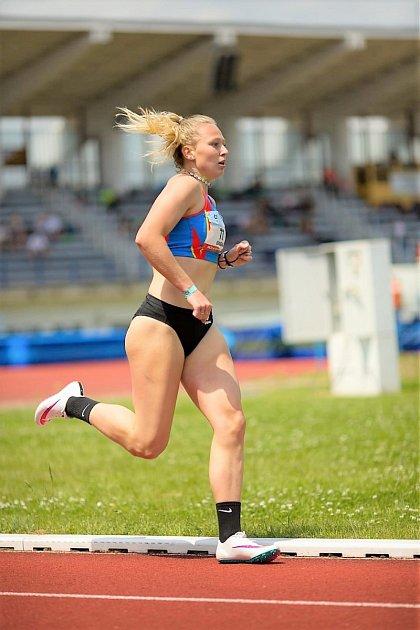 Po zlatu mezi vícebojařkami si svitavská atletka Eliška Červená sáhla na mistrovský titul také mezi specialistkami.