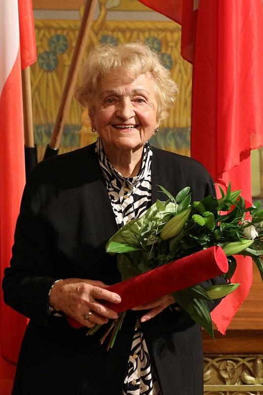 Blanka Brůnová byla oceněna za významnou lékařskou, vědeckou a pedagogickou činnost související s výzkumem, aplikací a zdokonalováním kontaktních čoček.