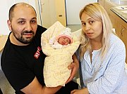 NIKOL DANAILOVÁ se narodila 15. října. Vážila 3,1 kilogramu a měřila 48 centimetrů. S rodiči Simonou a Nikolayem a bráškou Julianem bude vyrůstat v České Třebové.