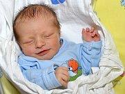 LUKÁŠ KNETTIG. Narodil se 4. července Lucii a Lukášovi z Litomyšle. Měřil 47 centimetrů a vážil 3,2 kilogramu.