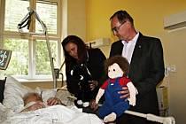 Pacientky na interním oddělení v Litomyšli se prohlédly terapeutické hračky