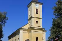 Kde stojí tento kostel sv. Václava? Za zapůjčení snímku děkujeme obci. Jmenovité poděkování zveřejníme až při zveřejnění správné odpovědi.