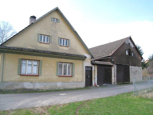 Dům vŠirokém Dole, kde došlo ktragédii.