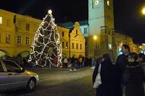 Vánoční strom v neděli rozsvítili v Litomyšli