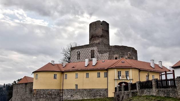 Sezona na hradě Svojanov.