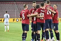 Čeští fotbalisté by měli ze skupiny, kde je čeká Anglie, Chorvatsko a Skotsko, proniknout do vyřazovacích bojů. Alespoň podle redaktorů Deníku.