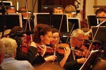 Martinů fest v Poličce vyvrcholil v neděli koncertem v kostele svatého Jakuba koncertem Filharmonice Hradec Králové.