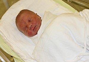 ANNA FRODLOVÁ se narodila Veronice Štěpánkové a Lubomíru Frodlovi 23. listopadu ve 20.10 hodin. Vážila 2,7 kilogramu a měřila 45 centimetrů. Bydlet bude v Radiměři.