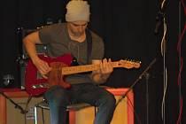Rudy Horvat platí za výborného sólového kytaristu se zkušenostmi z kapely Buty.