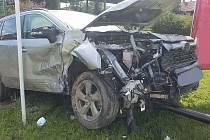 K VÁŽNÉ nehodě vyjížděli hasiči v pondělí odpoledne do Městečka Trnávky.