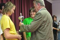 Předávání cen účastníkům dětské olympiády na zámku v Moravské Třebové