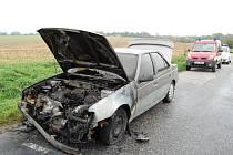 Požár osobního automobilu peugeot v Pohodlí