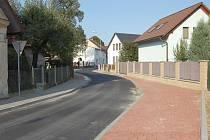 Opravená ulice Alšova.