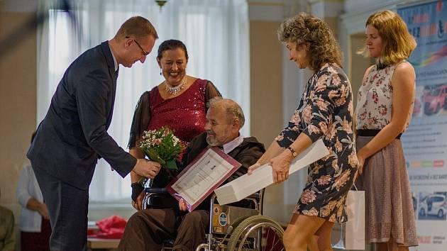 Cenu Michala Hašta za celoživotní práci ve prospěch osob se zdravotním postižením obdržel Miroslav Bárta z Litomyšle.