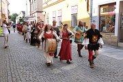 OSLAVY VÝROČÍ, které vyvrcholily o víkendu, přilákaly do ulic Moravské Třebové tisíce lidí.