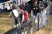 Ke Svitavám se upřely o víkendu zraky amatérských  fotografů z celé republiky. V kategorii kolektivů zvítězil  Fotoklub Svitavy.  Bodovali  také  mladí  fotografové.