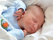 JOSEF STROUHAL. Narodil se 29. března Lence a Jaroslavoviz Vendolí. Měřil 51 centimetrů a vážil 3,5 kilogramu. Má bráškuJaroslava.
