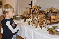 BETLÉMY v Baníně vystavují sběratelé a betlémáři z okolí a z Poličky.