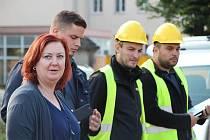 Staveniště pro moderní nemocnici následné péče včetně výjezdové základny krajských záchranářů v Moravské Třebové si převzala dodavatelská firma.
