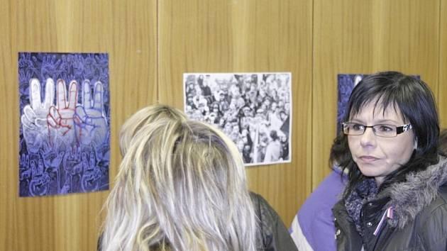 Připomínka 17. listopadu v někdejším okresním městě měla k velkému výročí obří rozměr.