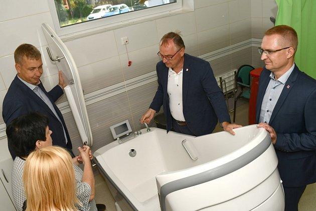 Domov na rozcestí Svitavy otevřel ve čtvrtek nový dvojdomek, který pojme až 24klientů.