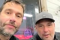 Hvězdy. Radek Dvořák a Tomáš Vokoun motivují litomyšlské hokejisty. Kdopak nasbírá na facebooku nejvíce hlasů?