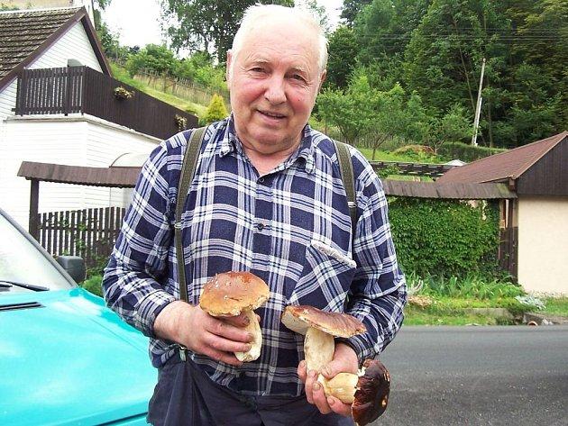 Zkušený houbař Drahomír Bednář.