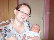 MATOUŠ ŠTĚPÁNEK. Chlapec spatřil světlo světa 3. května ve 14.40 hodin v litomyšlské porodnici. Vážil 2,9 kilogramu a měřil 49 centimetrů. Tatínek Josef byl mamince Lucii při narození syna oporou. Doma budou v Nových Hradech.