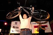 Celoroční zápolení moravskotřebovských i přespolních cyklistů známé jako seriál Cykloman – Haibike Cup je minulostí. Tečku za ním napsal tradiční slavnostní galavečer, na kterém byli vyhlášeni a oceněni nejlepší závodníci jednotlivých kategorií i absolutn