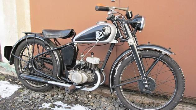 Ukradená historická motorka.