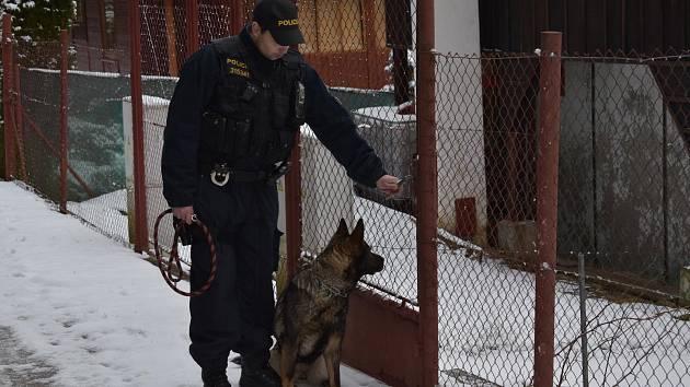 Policie kontroluje chalupy v okrese.