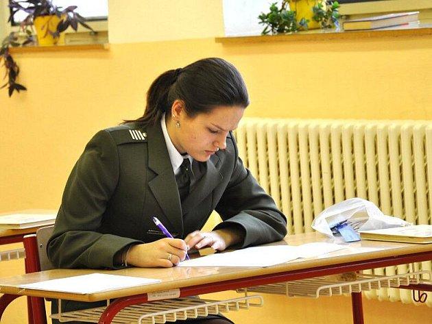 Maturity na vojenské škole.