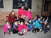 Děti v Baníně přivítaly dýně a strašidla