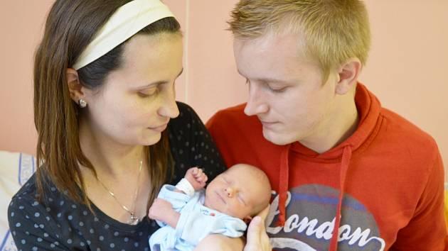 FRANTIŠEK FUCHS. Syn Kamily Ondráčkové a Františka Fuchse z Březové nad Svitavou se narodil 20. června v 15.48 hodin ve svitavské porodnici. Měřil 47 centimetrů a vážil 2,45 kilogramu.