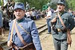 Diváci, kteří přijeli v sobotu do Mladějova,  nepřišli o pořádnou podívanou. Rakušané použili v boji proti Rusům i plamenomet. V lazaretu sténali zranění. Tomu všemu přihlíželi i dámy v dobových róbách.