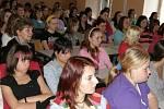 Na besedu za studenty zdravotnické školy ve Svitavách zavítaly  bývalé absolventky .