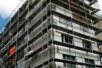 Stavební firmy mají spoustu zakázek.