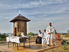 V sobotu vysvětil kněz Bránu milosrdenství v Chotovicích