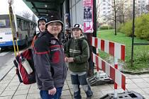 Simulace uzavření přechodu pro chodce spojující autobusové nádraží a cetrum Svitav dne 16. dubna 2008 v době odpolední špičky.