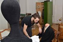 O četnických humoreskách. Kurátoři Jan Maroušek a Petr Lukas připravili výstavu s detektivním příběhem.