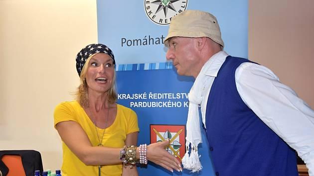 Divadlo VeTři varuje seniory před podvodníky.