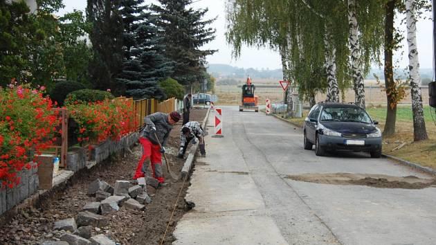 Nové chodníky v Poličce