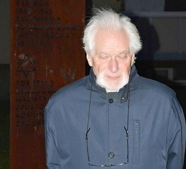 Osmaosmdesátiletý Toman Brod.
