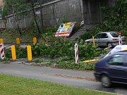 Spadlé větve na silnici I/35 v Litomyšli