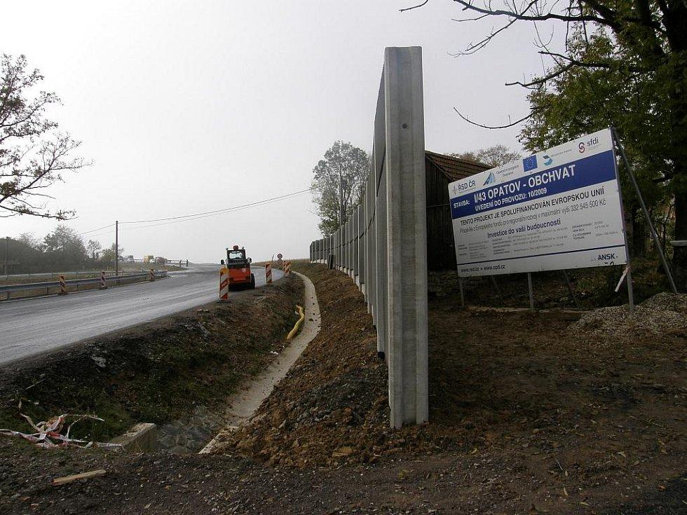 V Opatově finišují práce na obchvatu kolem obce. Ilustrační foto.