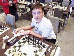 U světové šachovnice. Ondřej Švanda získal v jedenácti partiích 6,5 bodu a umístil se ve třetí desítce pořadí.