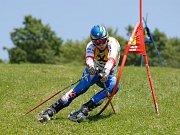 Lukáš Kolouch na trati obřího slalomu v Rettenbachu.