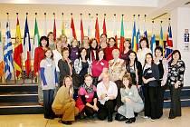 Dvě vedoucí mateřských center ze svitavského okresu vyjely do Bruselu na seminář Matky v Evropské unii. Byly součástí delegace Sítě mateřských center České republiky.